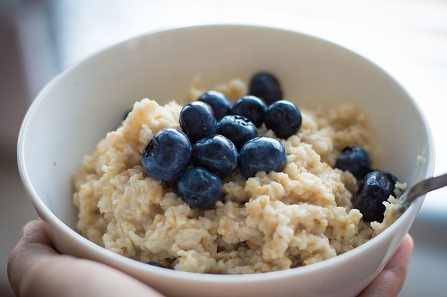 Oatmeal has lots of fiber.